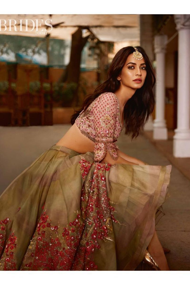KRITI KHARBANDA - GREEN EMBROIDERED LEHENGA SET