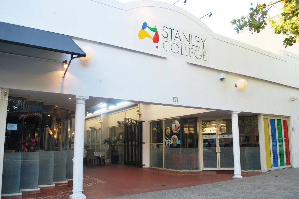 1_Stanley-College